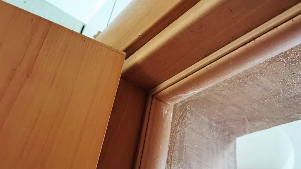 резиновый уплотнитель на межкомнатной двери